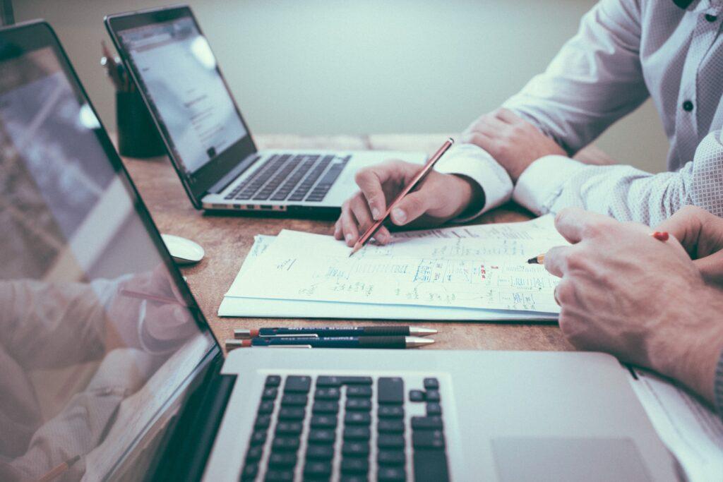 Dowiedz się, jak odliczyć darowizny od podatku - piszemy o tym, w jaki sposób możesz zaoszczędzić na rocznym podatku dochodowym. Czytaj więcej na viva.org.pl i pomagaj zwierzętom, jednocześnie oszczędzając.