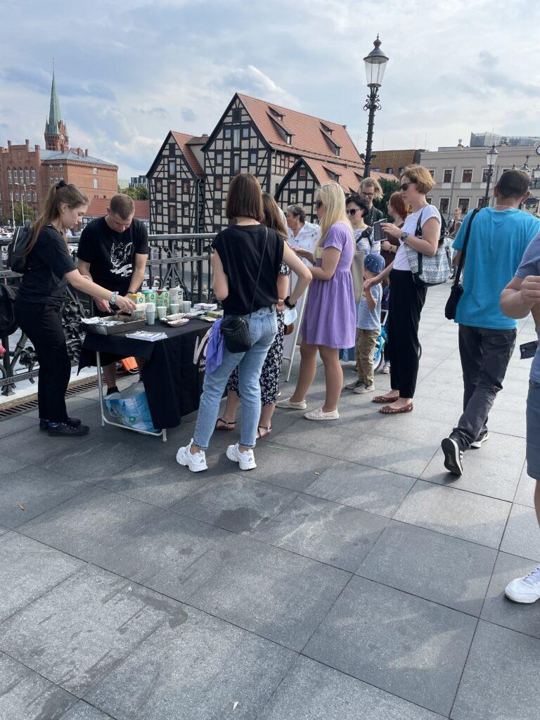 Viva! Bydgoszcz akcja na dzień mleka roślinnego